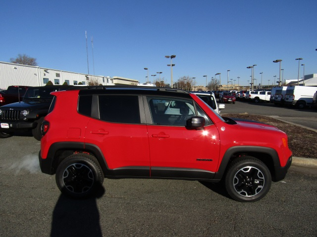 new 2017 jeep renegade trailhawk sport utility in ashland 170631 whitten brothers of ashland. Black Bedroom Furniture Sets. Home Design Ideas